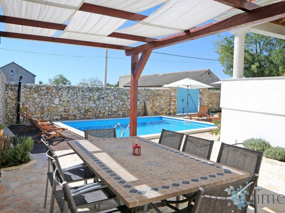 Villa pirini dvori zadar kroatien firma spa time d o - Pool fur terrasse ...