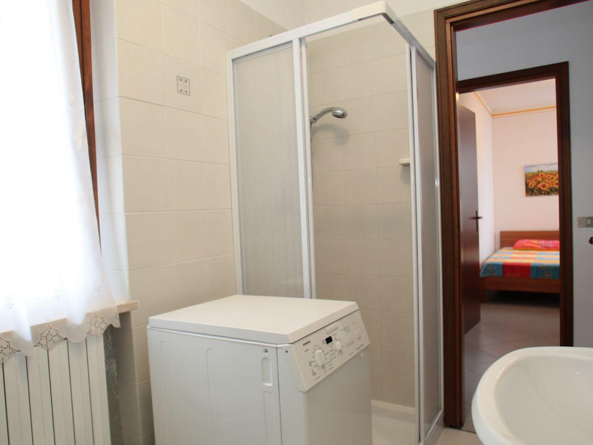 apartment panorama gardasee firma vermittlung von ferienwohnungen frau sandra hiesel. Black Bedroom Furniture Sets. Home Design Ideas