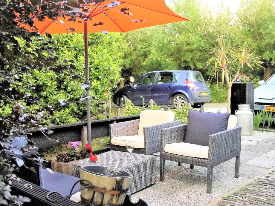 Privat Park-Platze und Terrasse