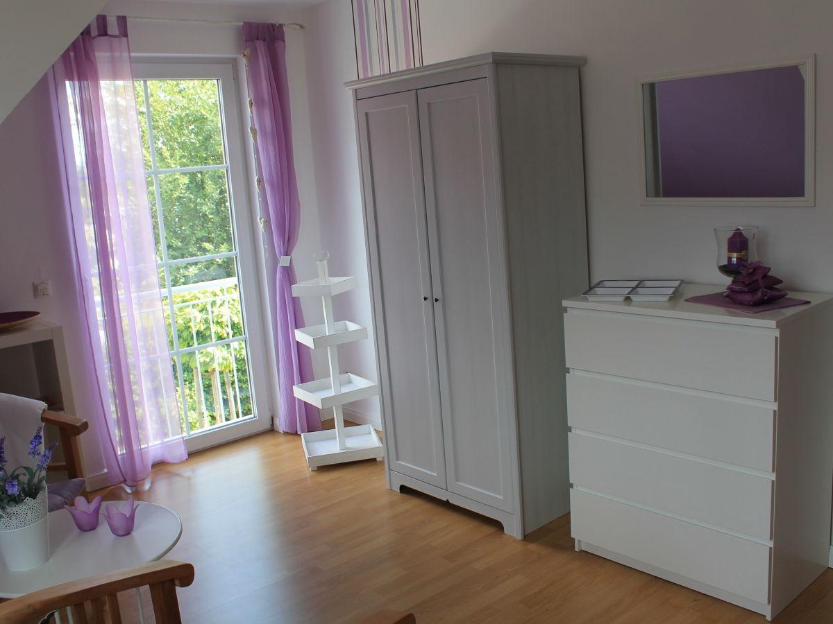 Lavendel Im Schlafzimmer. Schlafzimmer Gestalten Gelb Wandtattoo ...