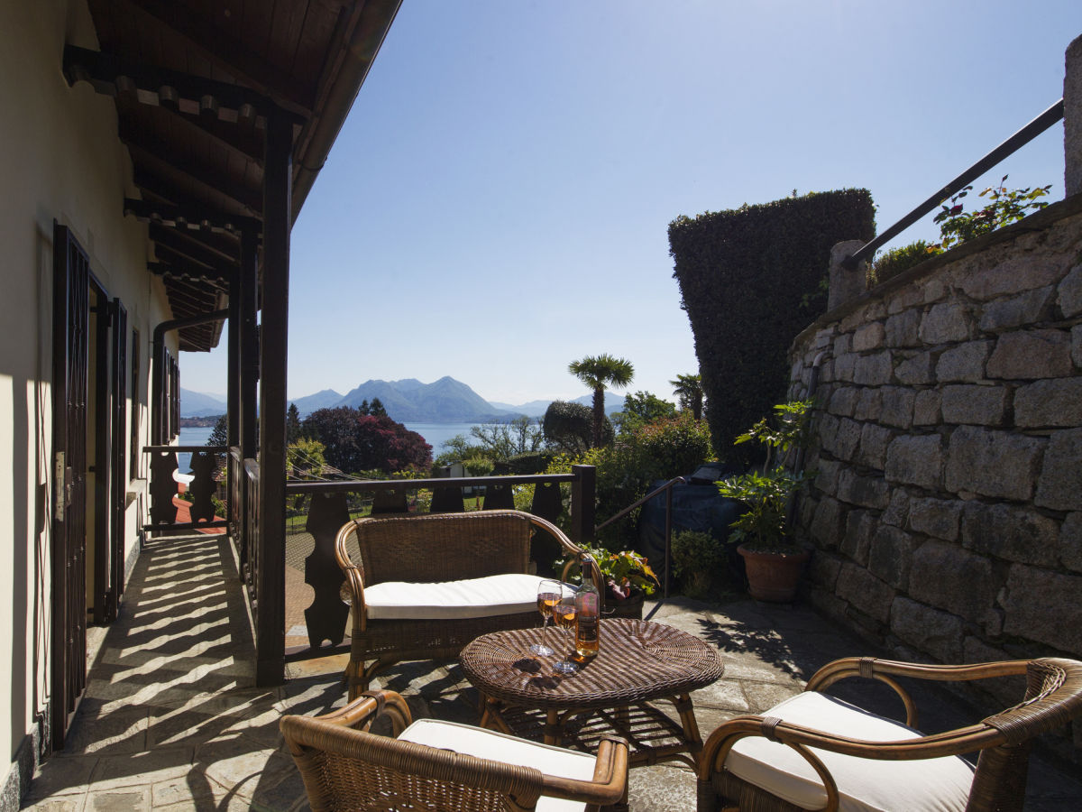 Ferienhaus the cottage on the lake lago maggiore baveno firma happy holiday homes frau - Cottage garten terrasse ...