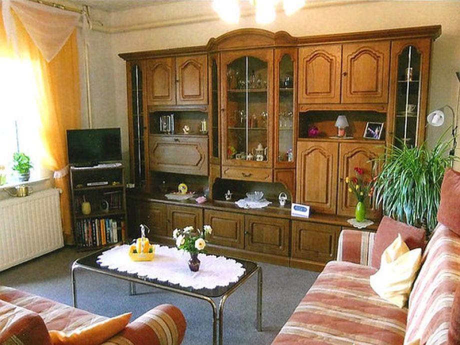 Das Wohnzimmer mit Fernseher
