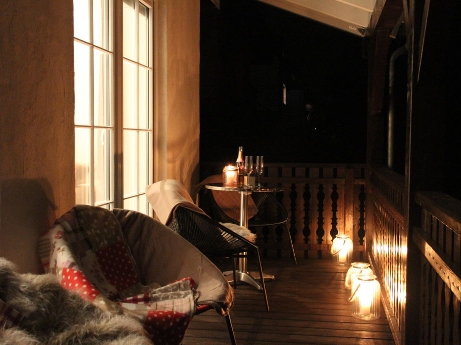 Balkon in Bachnähe und Blick ins Grüne
