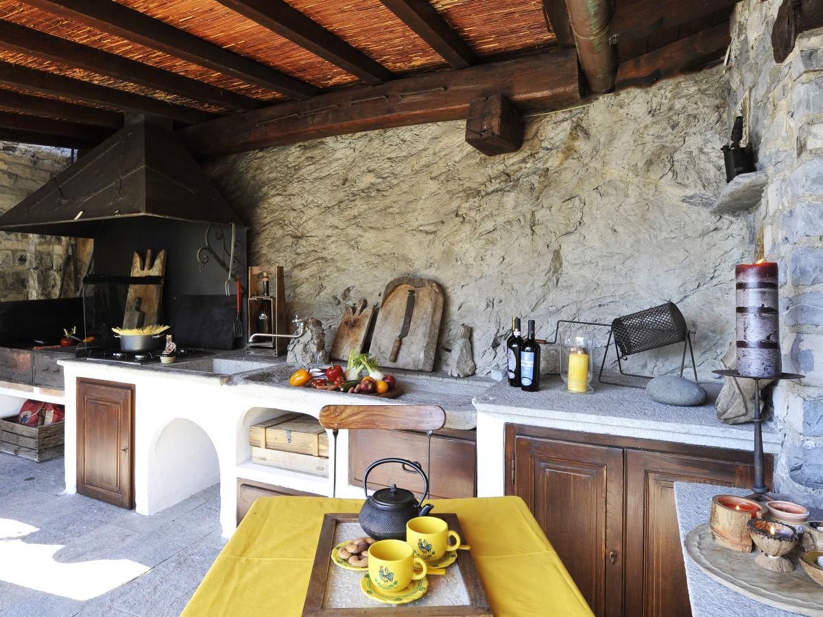 ferienwohnung la torre di porlezza lombardy porlezza firma lake como holiday frau larisse. Black Bedroom Furniture Sets. Home Design Ideas