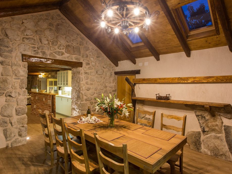 Esstisch Tischtennis ~ Villa Falcon Rook, Dunave, Konavle, Dubrovnik Region  Firma Partner travel d