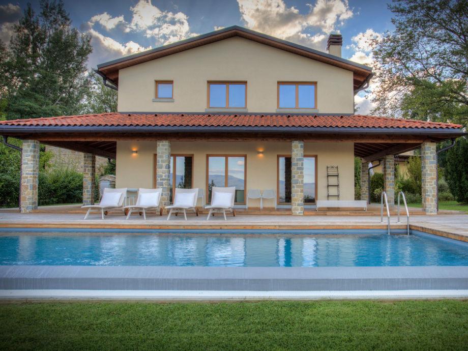 Villa mit Überlauf-Pool zur Alleinnutzung