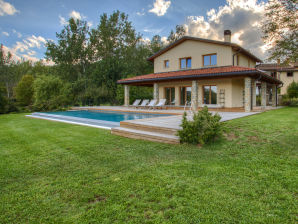 Holiday house Villa Chimera with pool