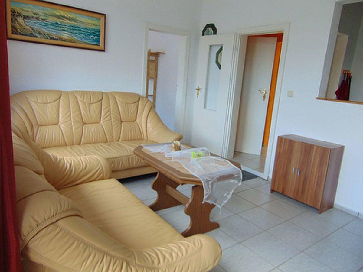 ferienhaus in basedow mecklenburgische seenplatte. Black Bedroom Furniture Sets. Home Design Ideas