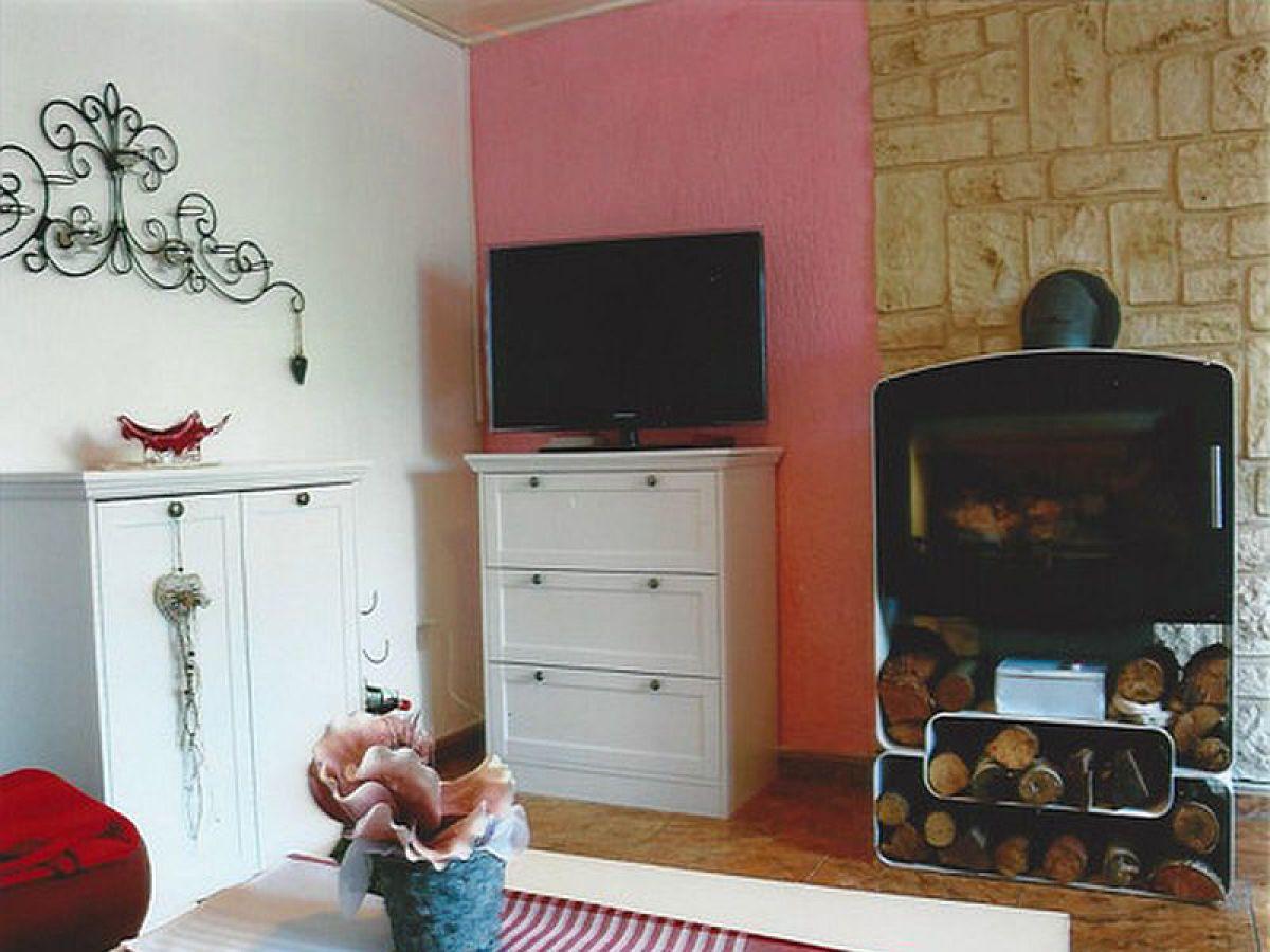 ferienhaus in nossentiner h tte mecklenburgische seenplatte nossentiner h tte firma. Black Bedroom Furniture Sets. Home Design Ideas