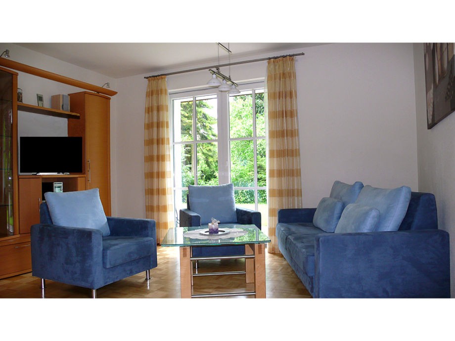 Wohnzimmer mit gemütlichen Möbeln