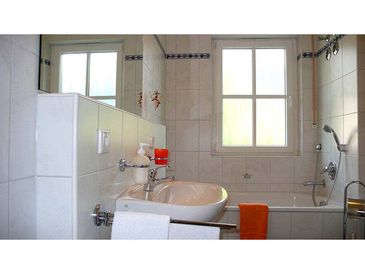 ferienwohnung rudi garmisch partenkirchen firma ferienwohnungen und ferienh user kuen frau. Black Bedroom Furniture Sets. Home Design Ideas