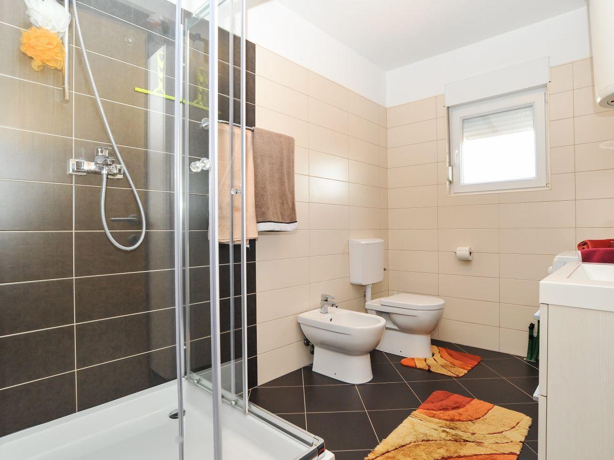 ferienwohnung zara zadar firma taline tours frau. Black Bedroom Furniture Sets. Home Design Ideas