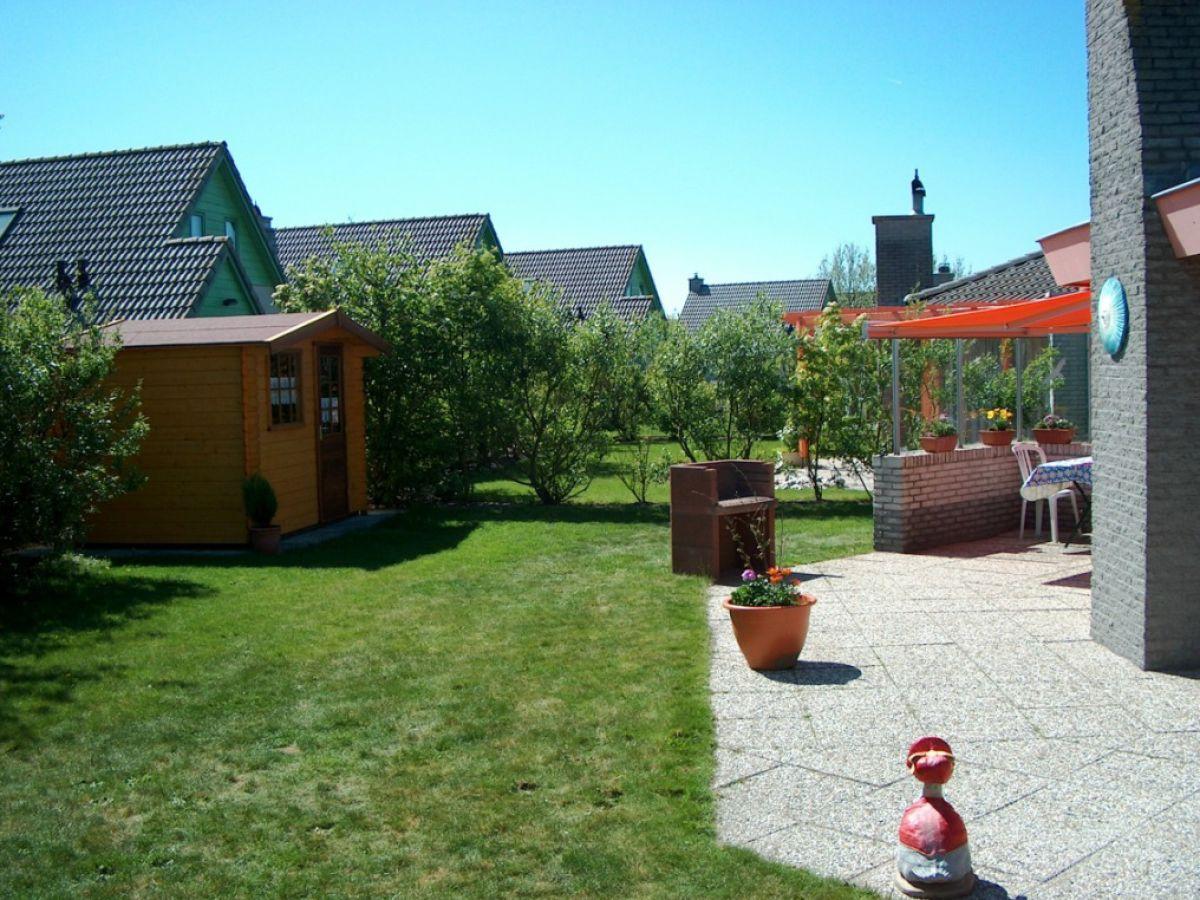 ferienhaus seestern 100 julianadorp park strandslag. Black Bedroom Furniture Sets. Home Design Ideas