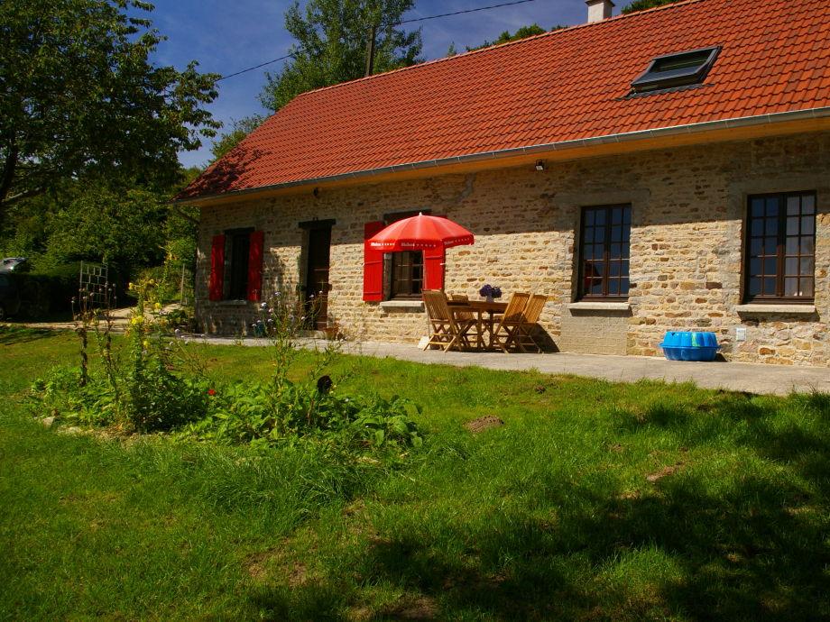 Natursteinhaus mit großzügiger Terrasse