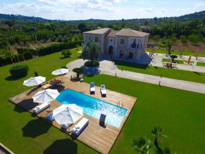 Finca Luxury Palace