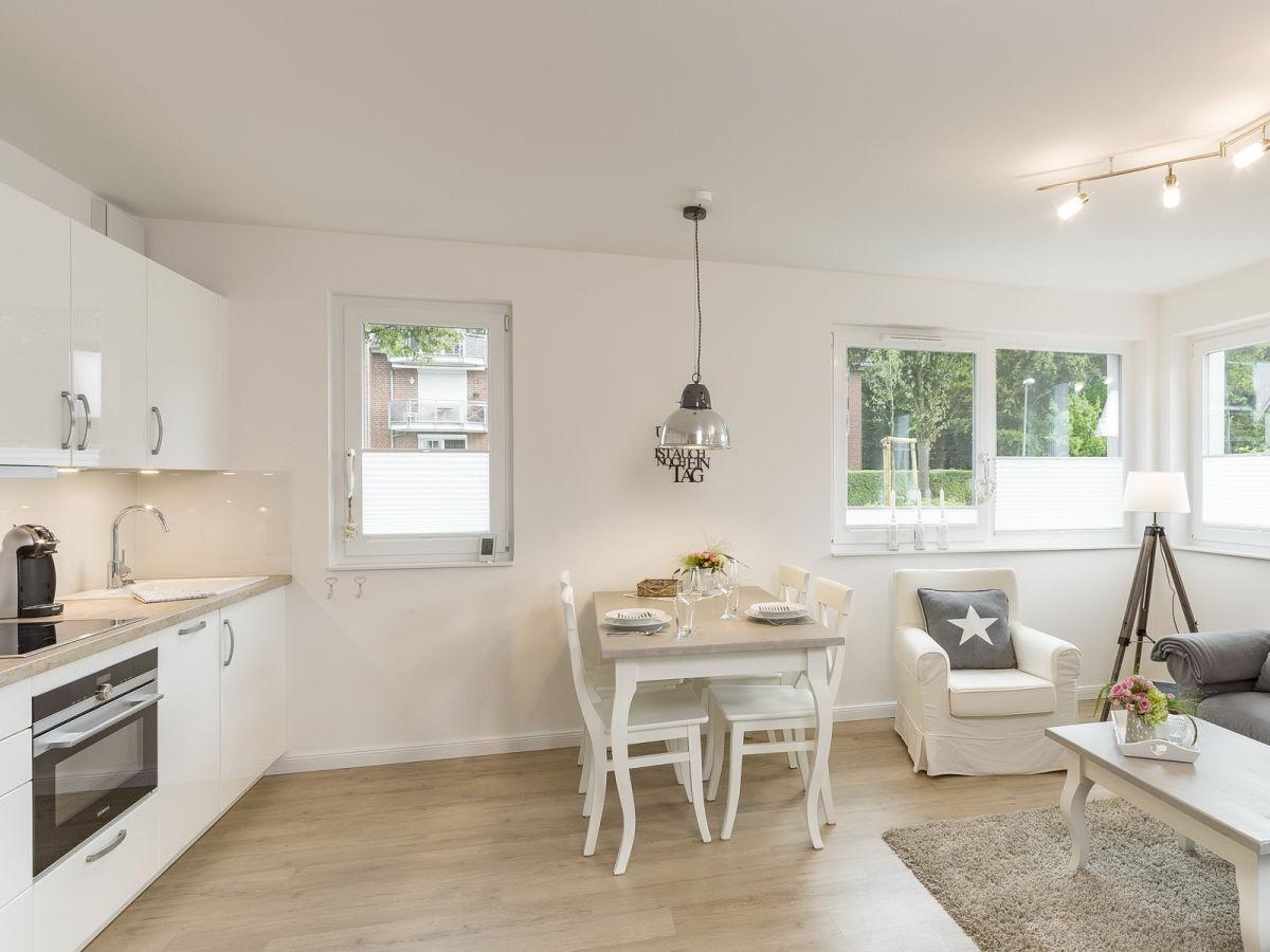 ferienwohnung seeliebe scharbeutz firma holm immobilien. Black Bedroom Furniture Sets. Home Design Ideas