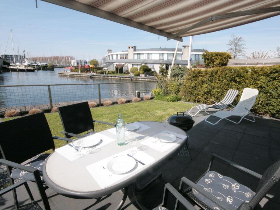ferienhaus brekkense wiel 112 ijsselmeer lemmer firma aqua state ferienwohnungen frau nina. Black Bedroom Furniture Sets. Home Design Ideas