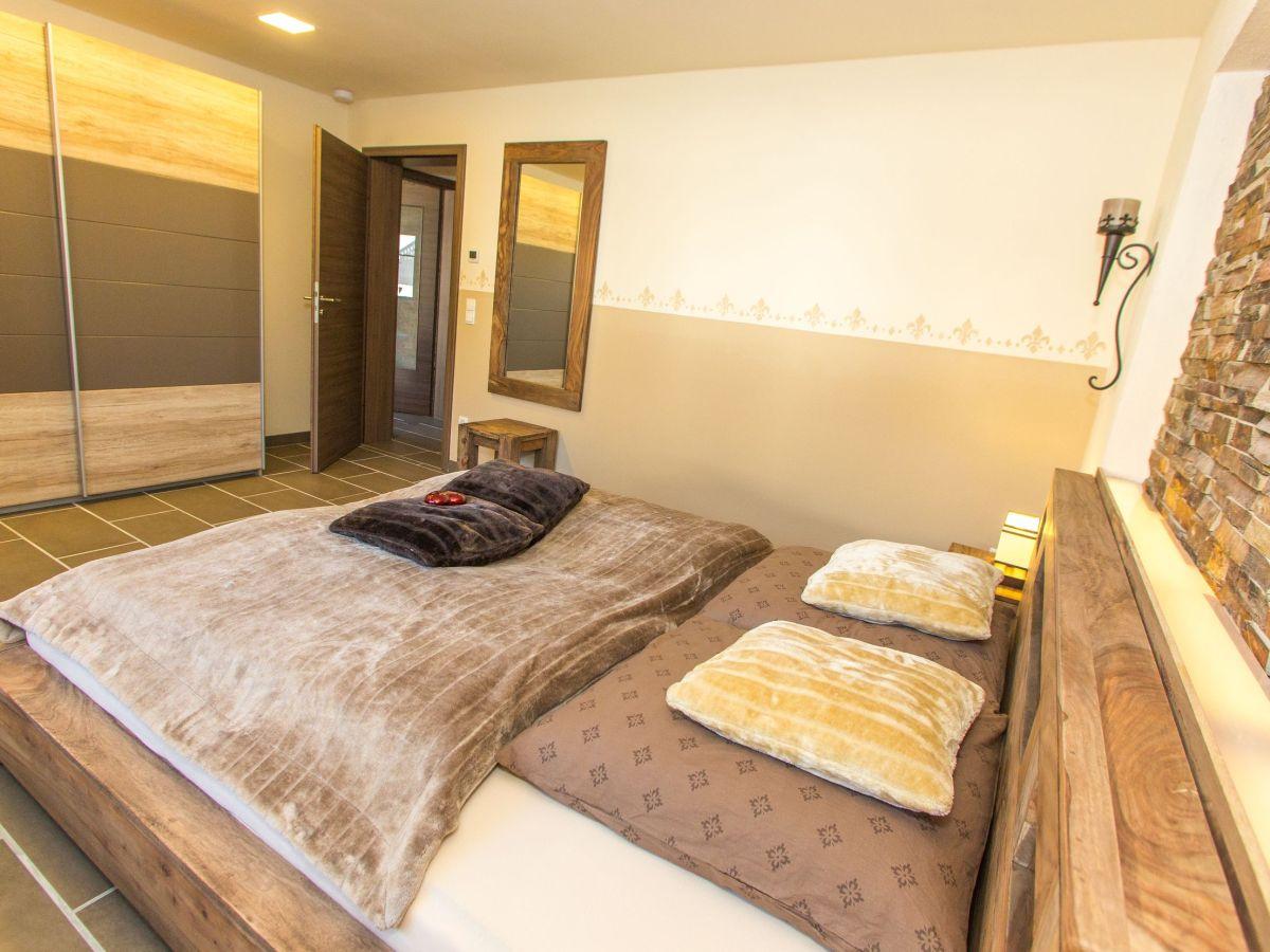 ferienwohnung wildnisresidenz kolonial bayerischer wald familie christian burghart. Black Bedroom Furniture Sets. Home Design Ideas