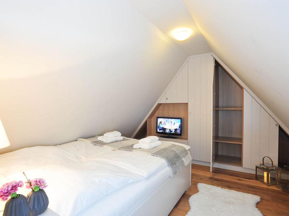 ferienwohnung witth s 18 stilvoll wohnen unter reet sylt firma immobilien team sylt gmbh. Black Bedroom Furniture Sets. Home Design Ideas