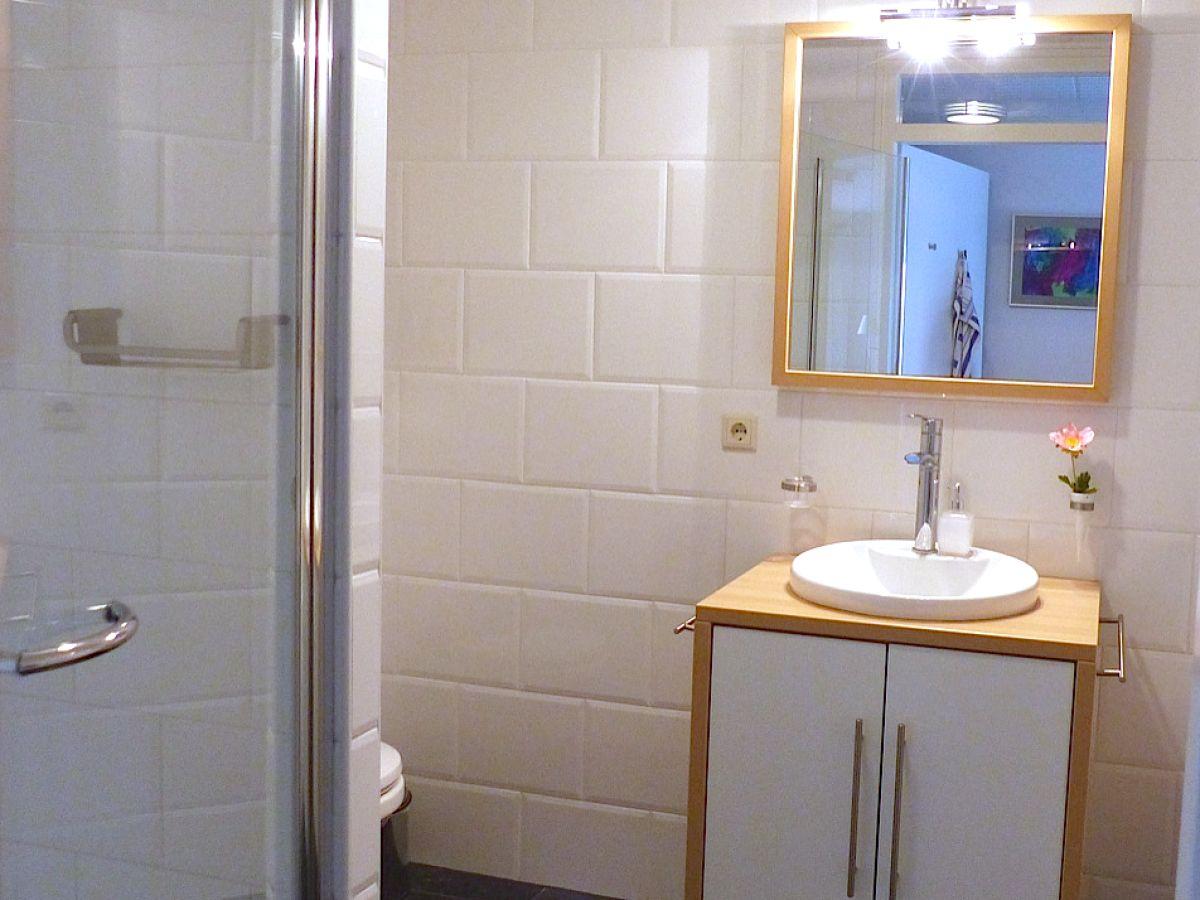 modernes badezimmer mit dusche ~ beste inspirations-innenarchitektur, Hause ideen