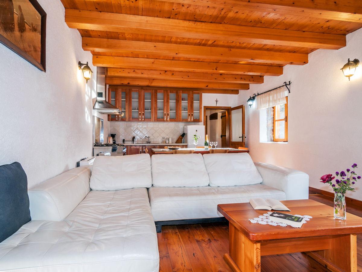 ferienhaus mandorla zadar sukosan firma lotos tours. Black Bedroom Furniture Sets. Home Design Ideas