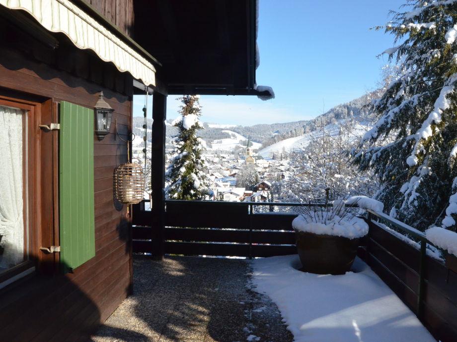Wintertraum vom Balkon