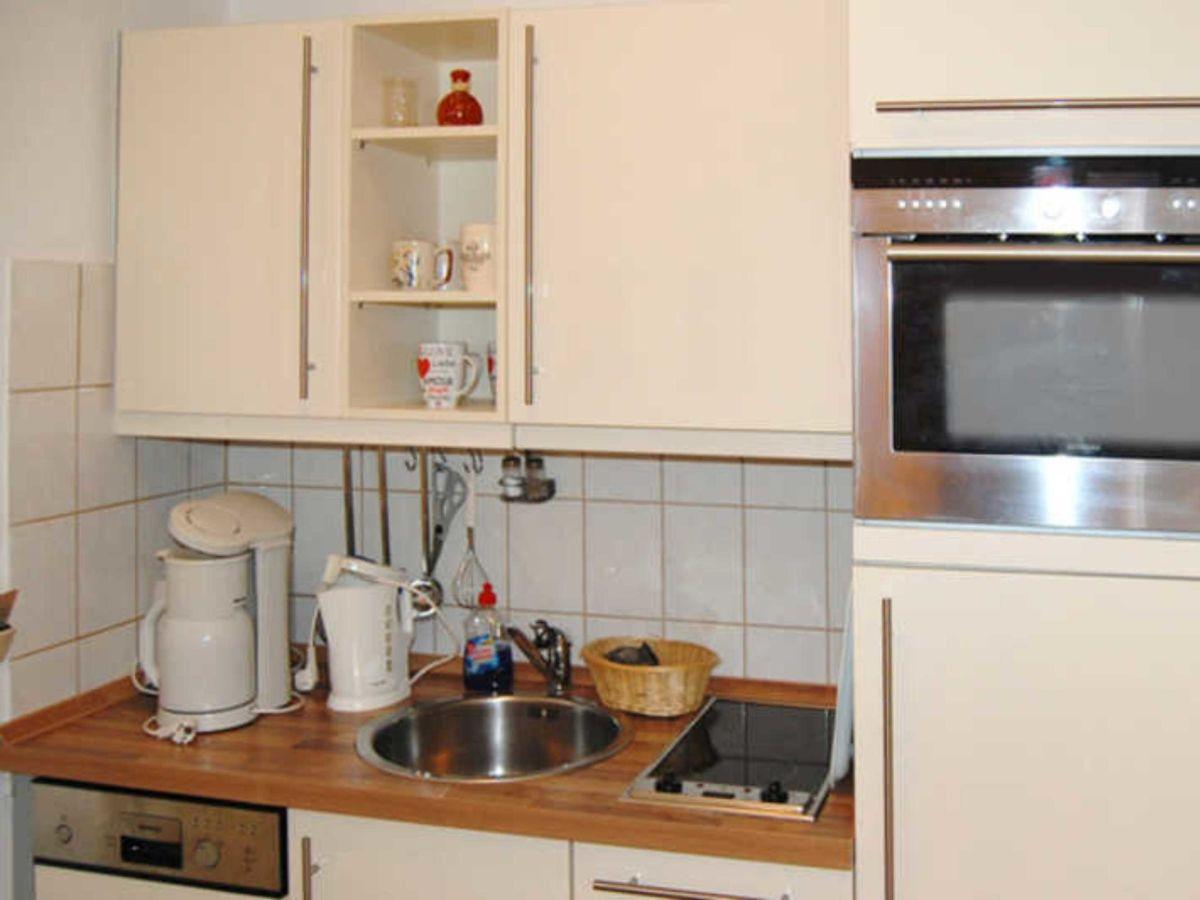 ferienwohnung im aparthotel ostsee we22 typ b binz firma paradies r gen gmbh co kg. Black Bedroom Furniture Sets. Home Design Ideas