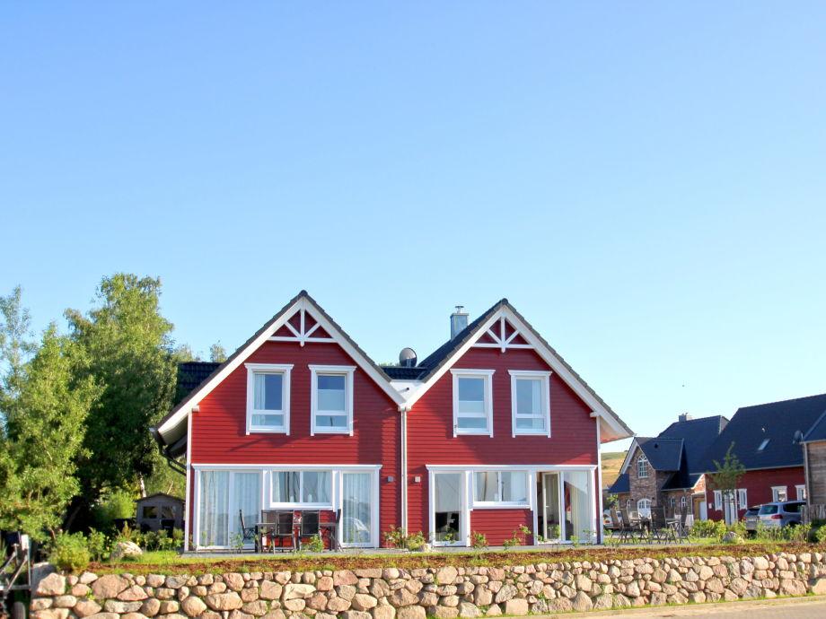 Das Ferienhaus TimpeTe dirkt am Yachthafen von Gager