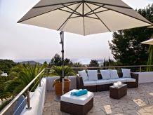 Ferienhaus mit Meerblick, Garten und Pool 223