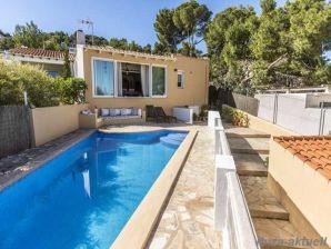 Ferienhaus mit Pool und Meerblick 229