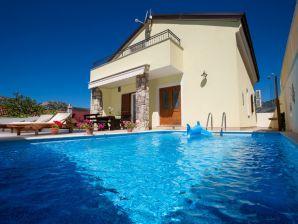 Traum schlafzimmer mit pool  Ferienwohnungen & Ferienhäuser in Crikvenica mieten - Urlaub in ...