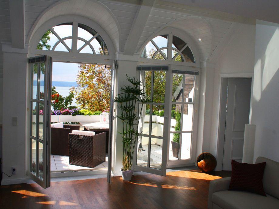 Mit Offenen Tren Ist Der Balkon Ihr Zweites Wohnzimmer