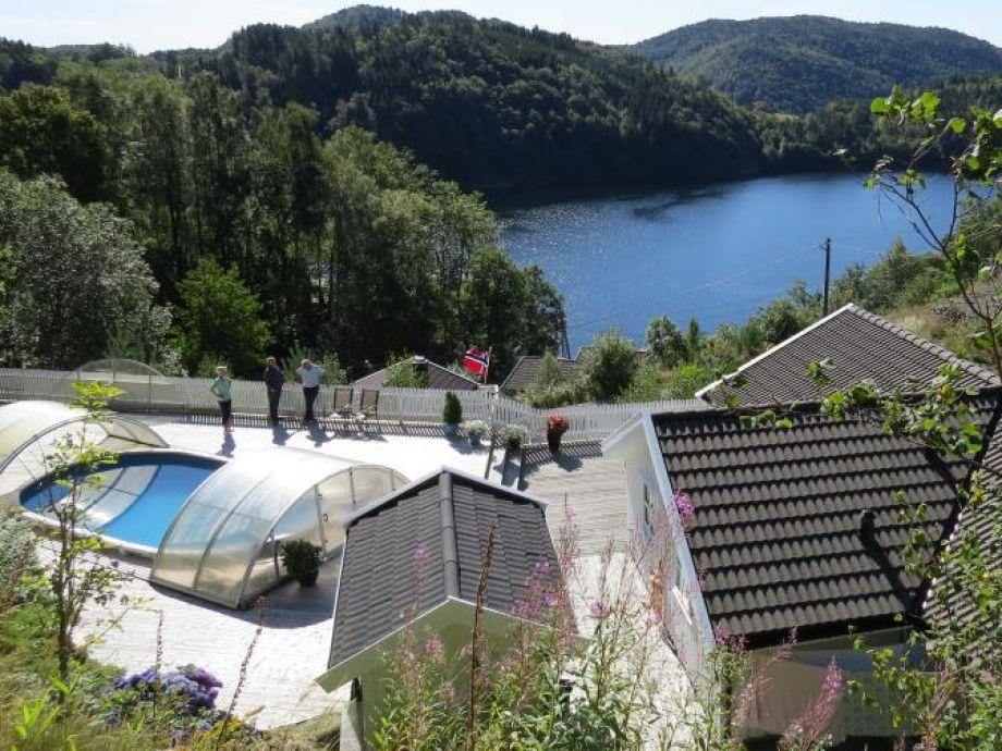 "Ferienhaus ""Åsevågen"", mit Pool Toplage am Grönsfjorden bei Fladstad - Lyngdal, Norwegen - Vestagder, Südnorwegen"