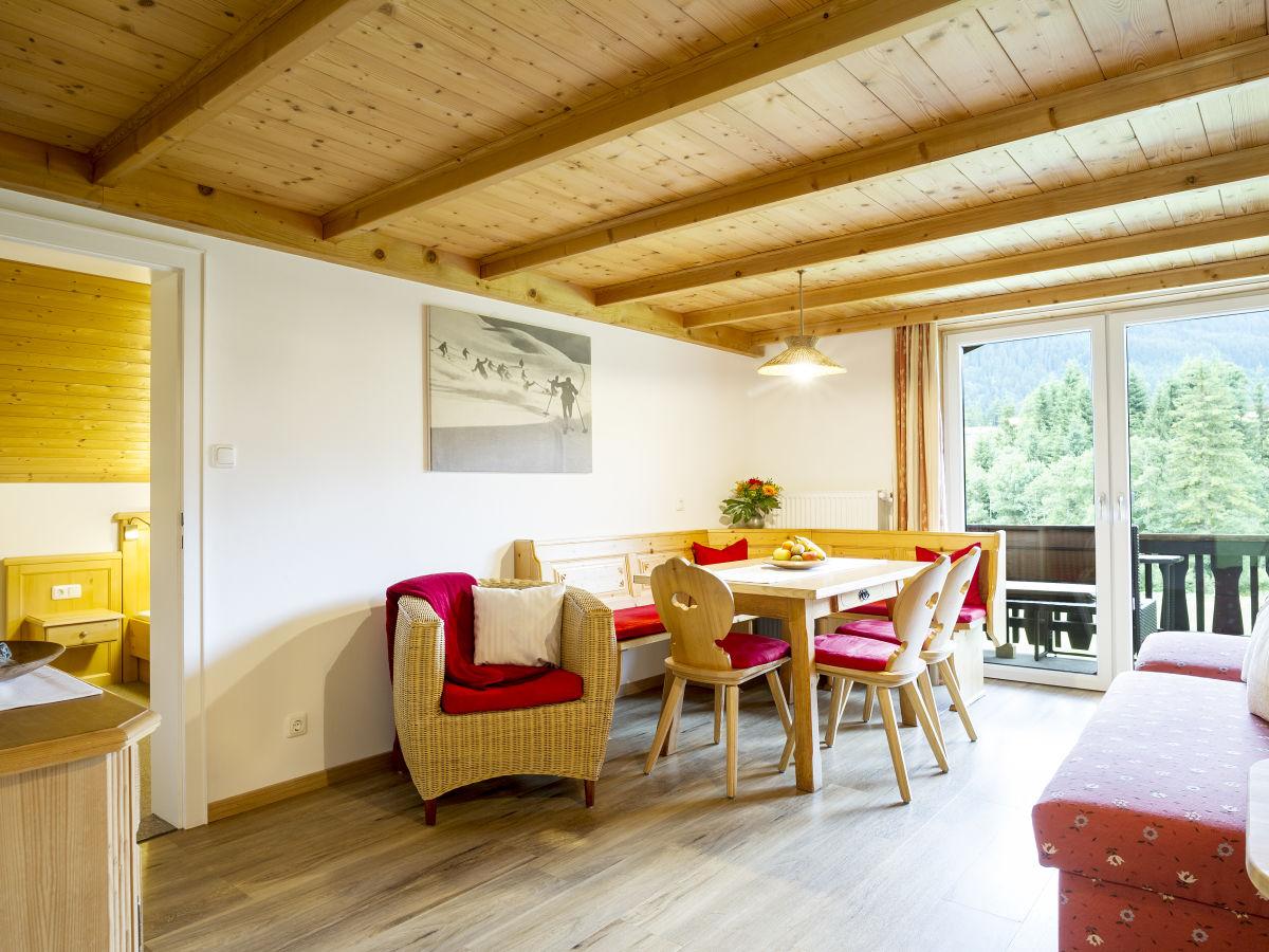 ferienwohnung auszeit 3 hirschegg im kleinwalsertal firma fewo auszeit familie stefan. Black Bedroom Furniture Sets. Home Design Ideas