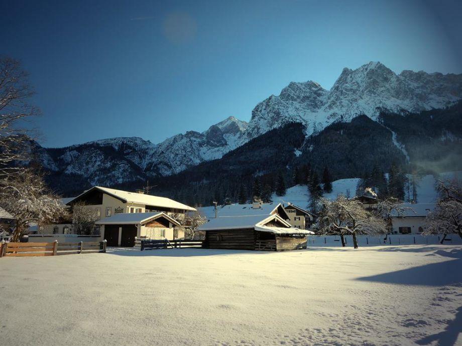 Unser Haus im Wintervollmond