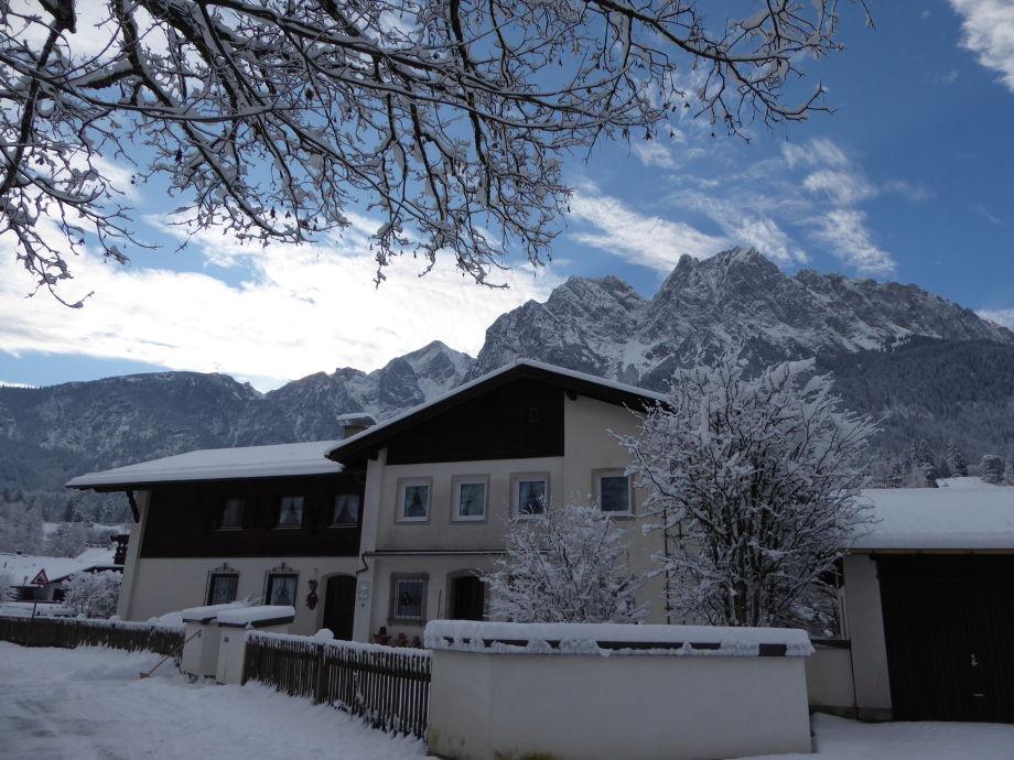 Viel Schnee am Haus Waldwinkl 3