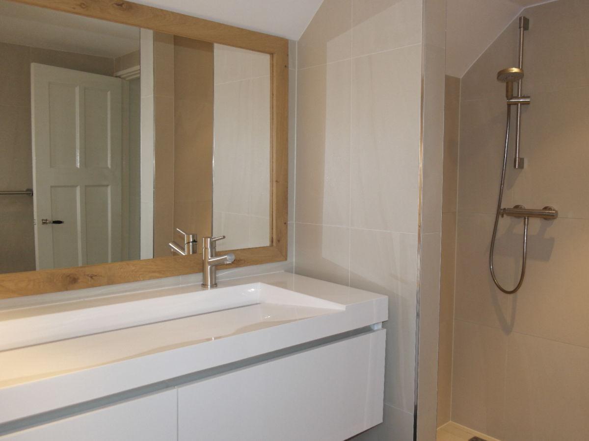 Ferienhaus de zevende hemel nord holland bergen holland for Moderne badezimmer mit dusche