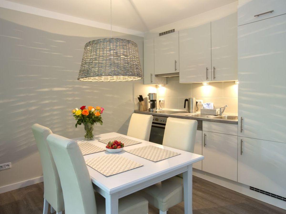 ferienwohnung nr 10 haus die insel l becker bucht timmendorfer strand firma ferien. Black Bedroom Furniture Sets. Home Design Ideas