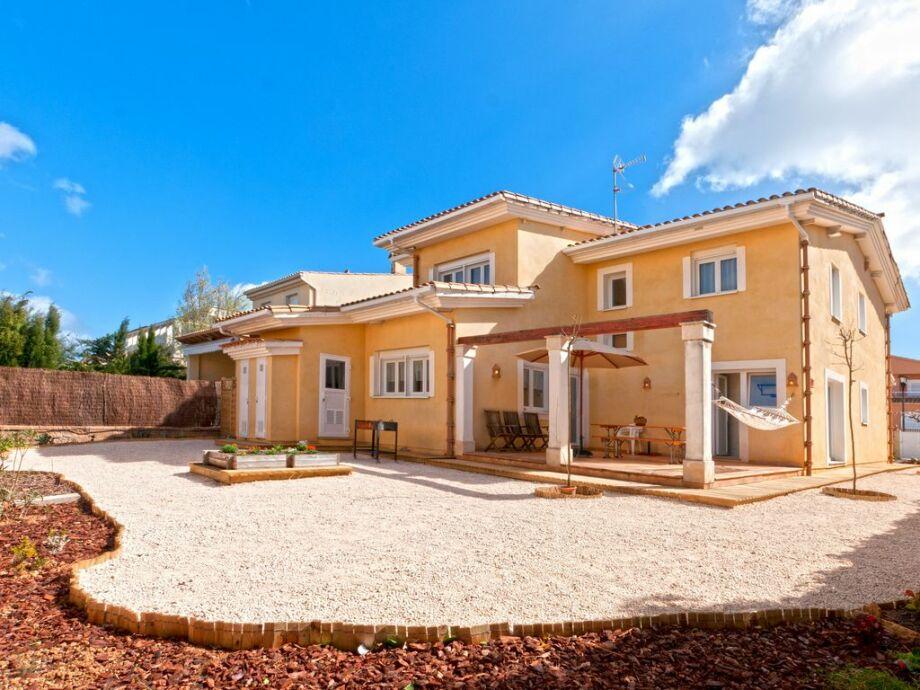 Die Villa mit schönem Grundstück