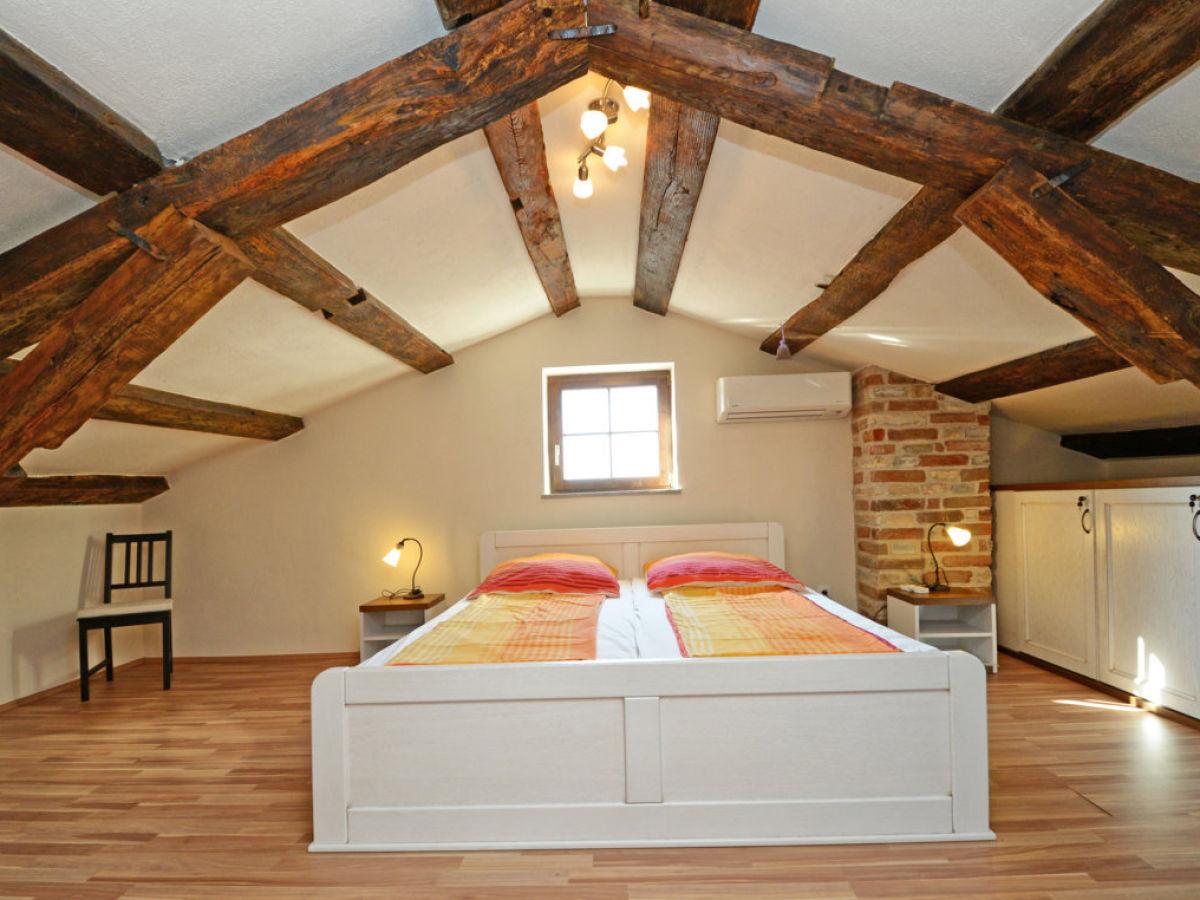 Villa marie porec istrien kroatien familie verena - Schlafzimmer dachgeschoss ...