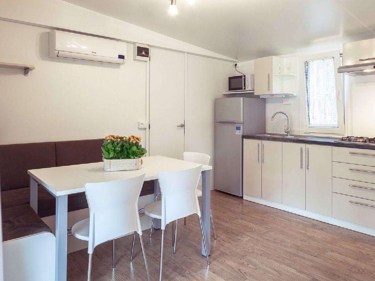 ferienhaus mobilheim mon perin typ deluxe istrien firma istramagica frau christine muermans. Black Bedroom Furniture Sets. Home Design Ideas