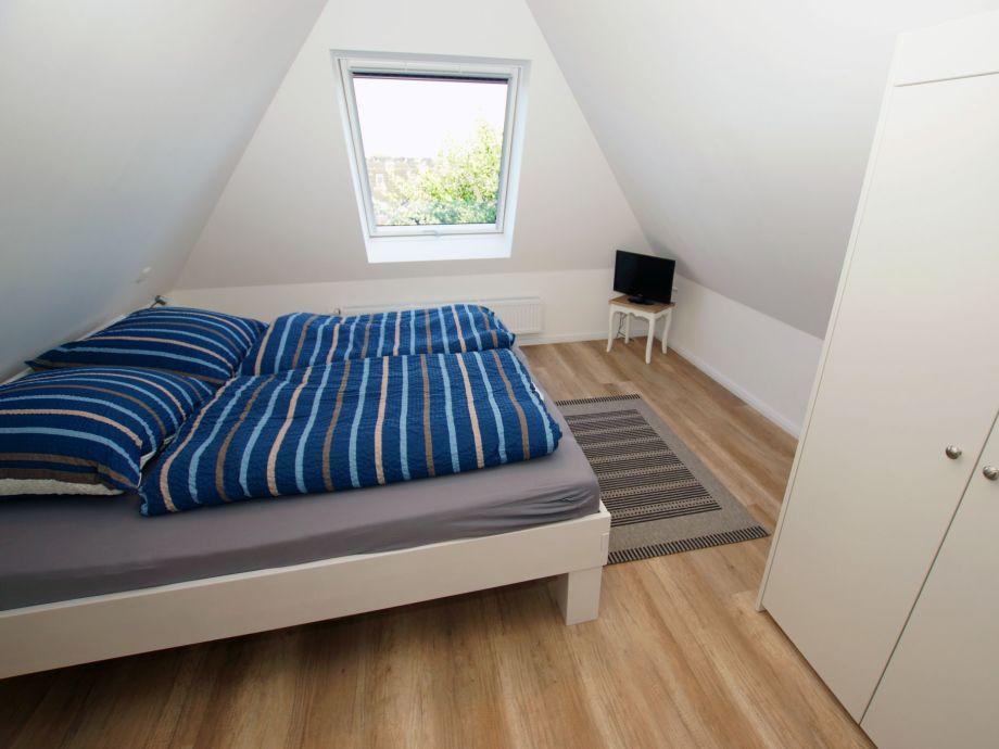 ferienwohnung whg 4 im haus mare cimbria amrum strand alle wetter sonne baden firma. Black Bedroom Furniture Sets. Home Design Ideas