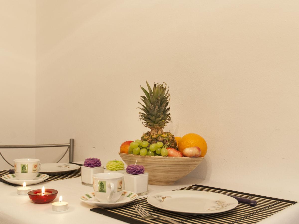 ferienwohnung weis 1 rovinj istrien rovinj istrien firma tourist agency holiday frau. Black Bedroom Furniture Sets. Home Design Ideas