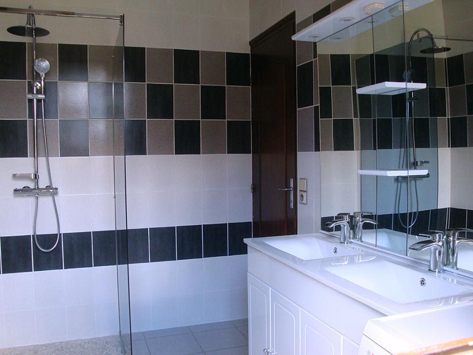 Modernes Badezimmer Galerie. Moderne Fliesen Fr Badezimmer Im Bad ...