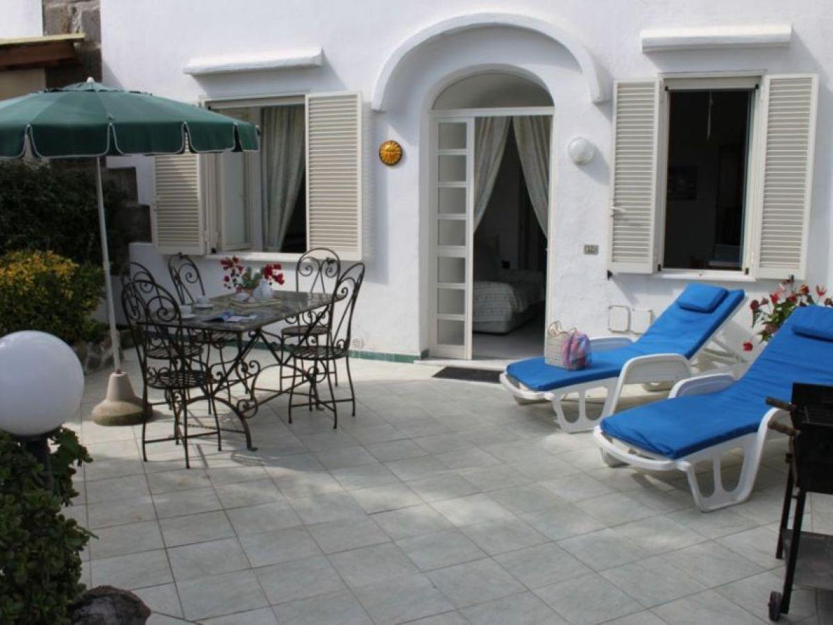 casa la palma apartment a barano d 39 ischia familie almerigo di meglio anna maria di scala. Black Bedroom Furniture Sets. Home Design Ideas