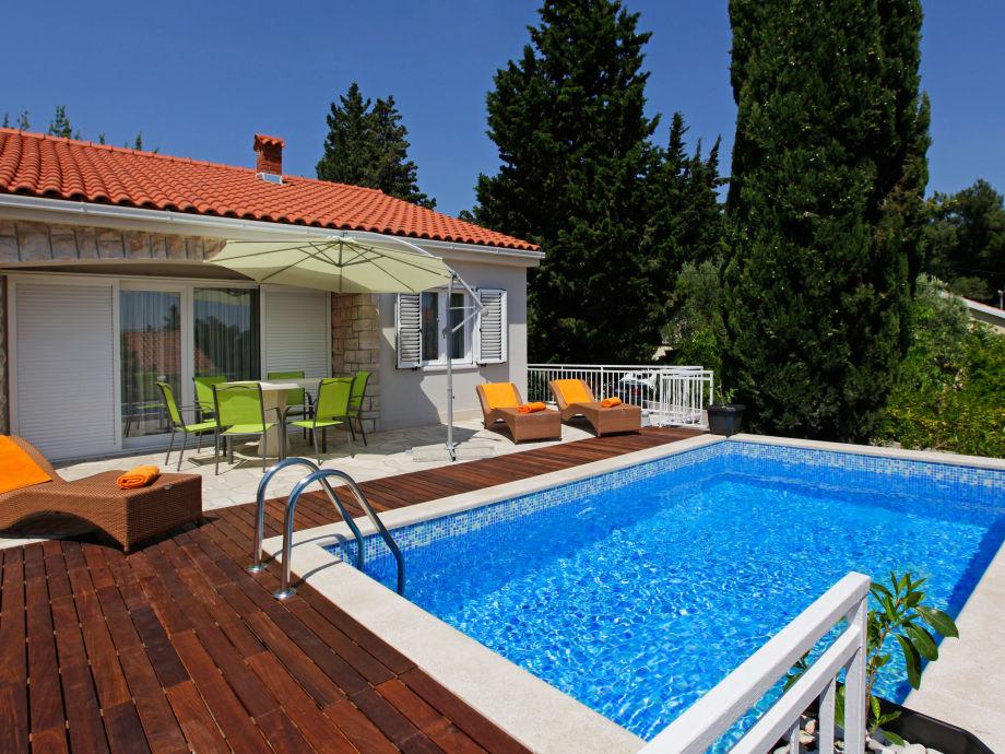 Villa-Oleandra mit Pool