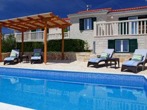 Villa Oliva 1