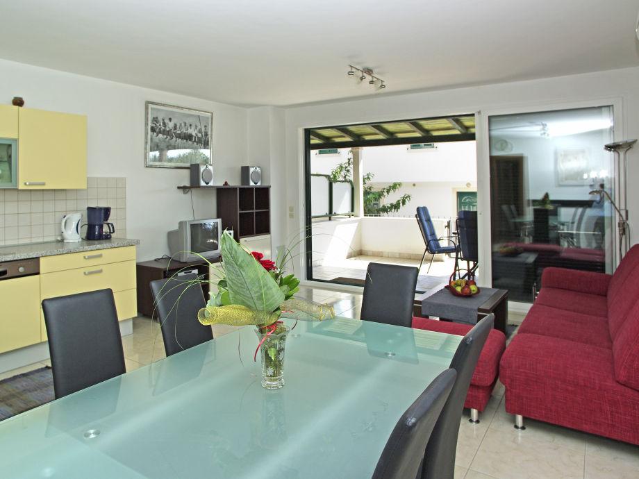 Bol-Apartment-Wohn/Esszimmer-Hugo1