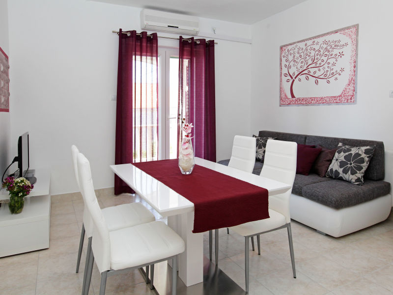 Holiday apartment Bol Katica 1