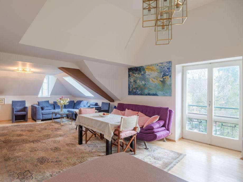 ferienwohnung zauberpark suite in der villa warchalowsky wien firma vitamynd lebensberatungs. Black Bedroom Furniture Sets. Home Design Ideas